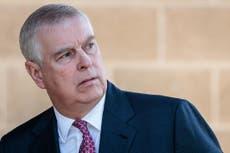 Virginie Giuffre: L'accusateur d'Epstein envisage de poursuivre le prince Andrew, les rapports disent