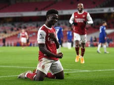 Rumeurs de foot: English clubs lining up for Bukayo Saka
