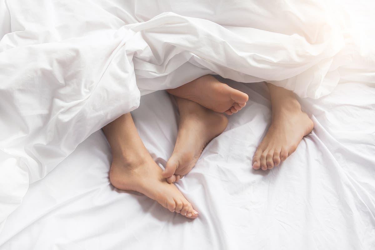 观点: No woman should ever have to have 'maintenance sex' with her husband