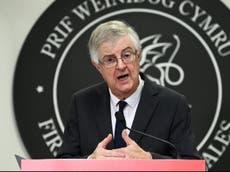 旅行のためのPCRテストは維持されるべきです, ウェールズの初代大臣は言う