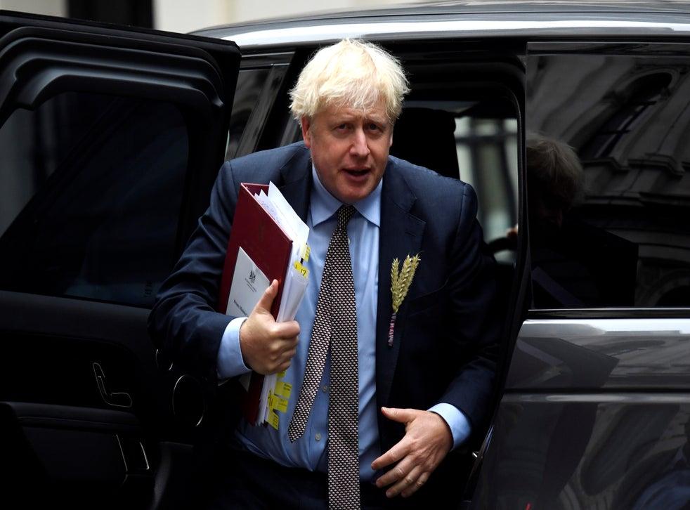Thủ tướng cũng phải đối mặt với các cuộc gọi đàm phán khẩn cấp với Ủy ban châu Âu