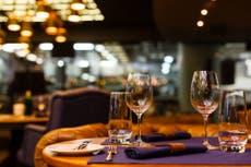 Nueva York: Restaurantes podrán recibir clientes dentro de sus instalaciones a finales de septiembre