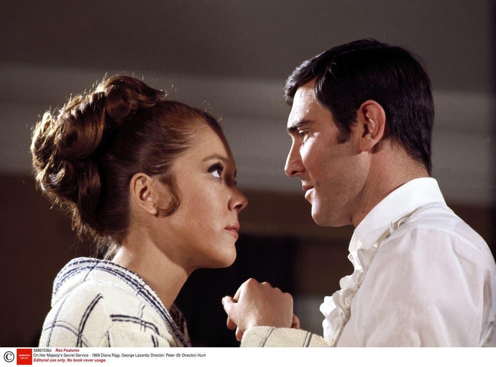 Diana Rigg y George Lazenby en 'Al servicio secreto de Su Majestad'