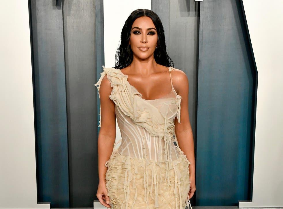 Kim Kardashian lanza la gama de maternidad Skims