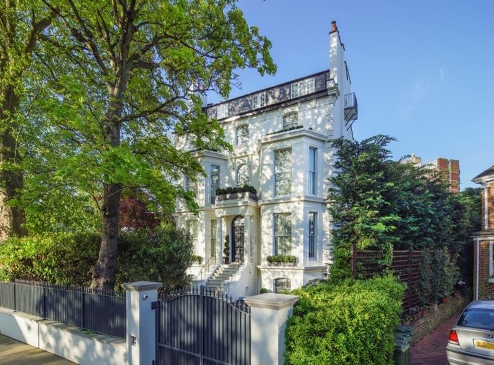 La propiedad fue construida en el siglo XIX y fue comprada por primera vez por el magnate de los diamantes Daniel Francis, quien fue director de De Beers.