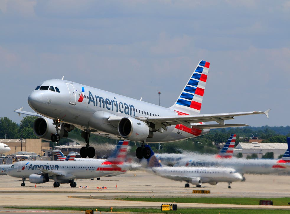 An American Airlines cabin crew has been praised for her BLM note