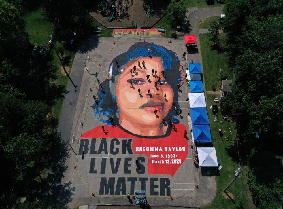El asesinato policial de Breonna Taylor provocó numerosas protestas en la ciudad