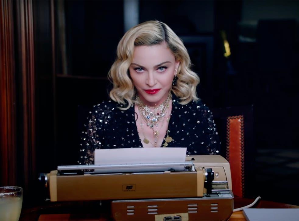 Madonna en su máquina de escribir anunciando su gira 'Madame X' en 2019