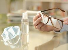 Los lentes podrían ser una herramienta de protección contra el coronavirus, dicen expertos