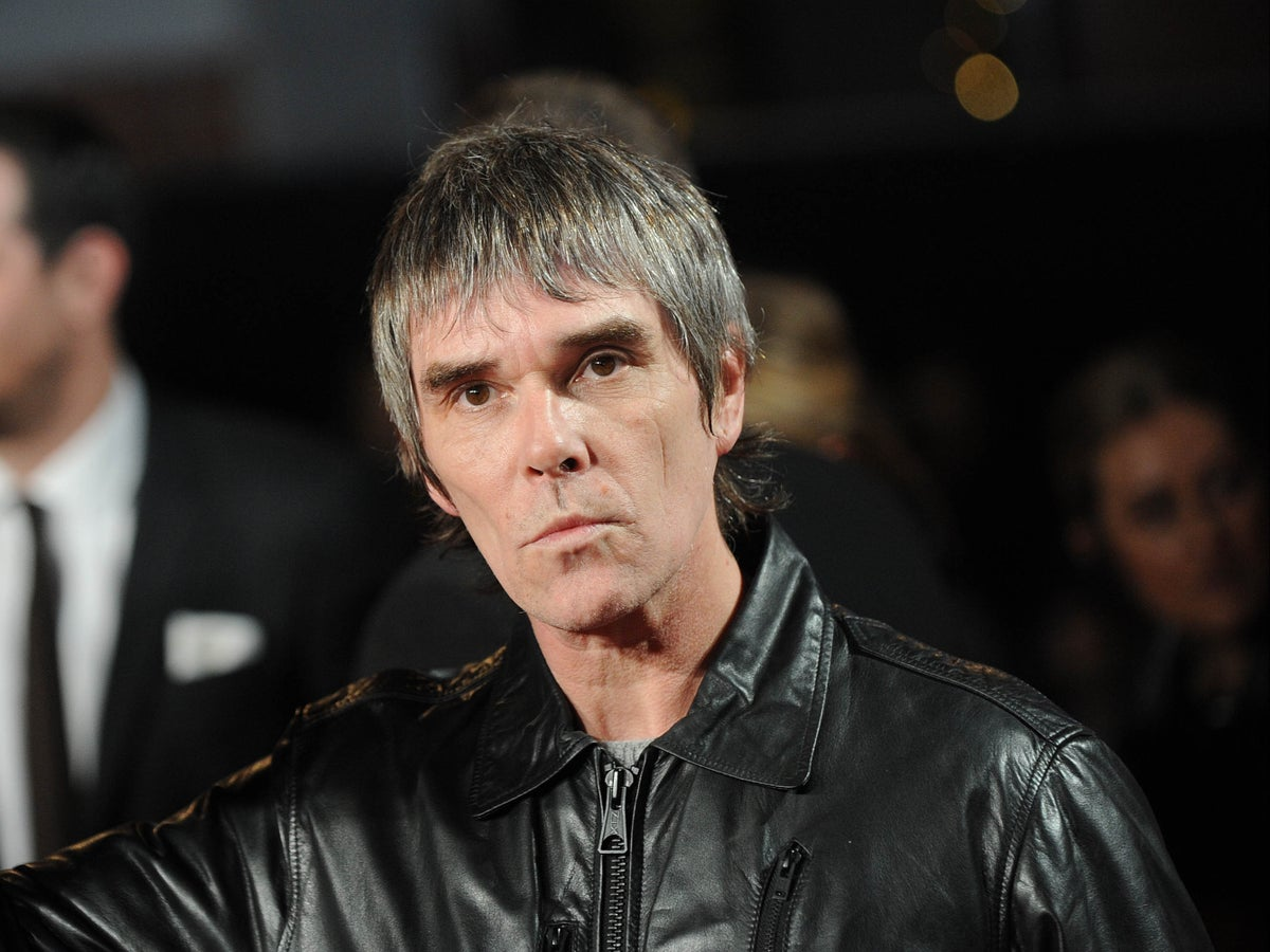Ian Brown: Stone Roses singer 'alienates fans' with controversial  anti-lockdown song and Twitter outburst | The Independent