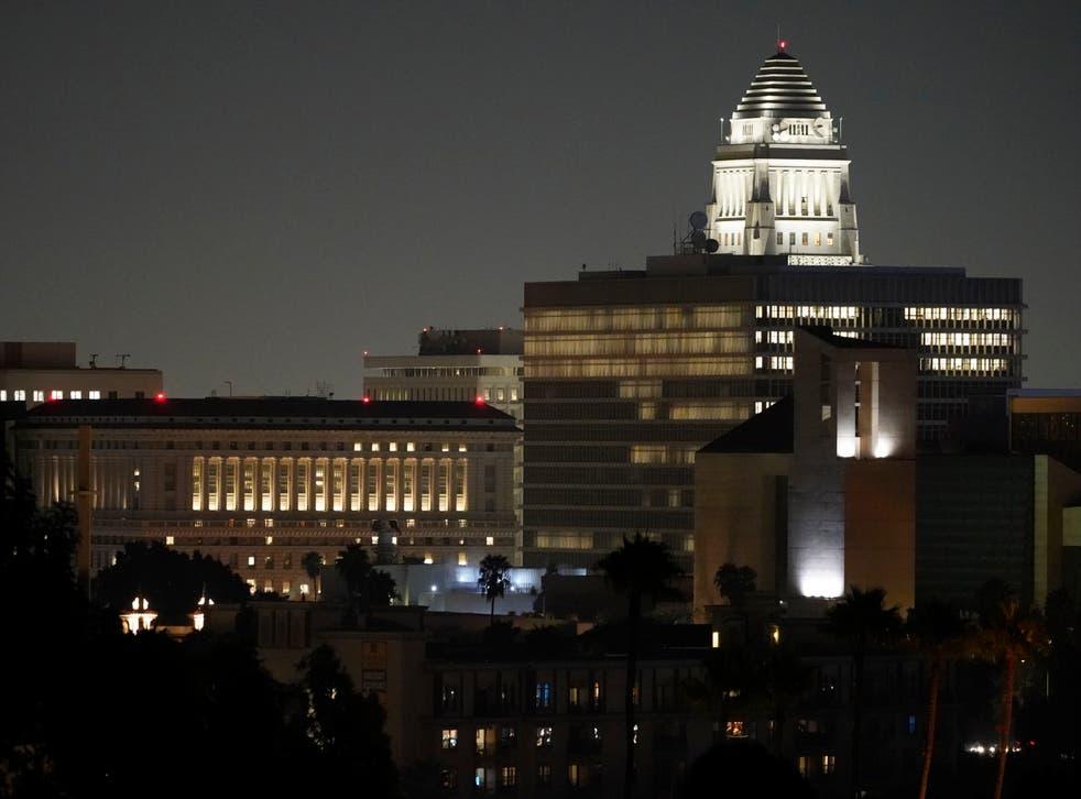 Un promedio de cinco terremotos con magnitudes de 4.0 a 5.0 ocurren anualmente en el área metropolitana de Los Ángeles.