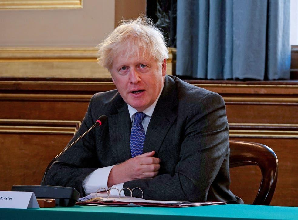 El primer ministro británico, Boris Johnson, habla en la reunión semanal del gabinete en la oficina de Relaciones Exteriores, el 15 de septiembre de 2020 en Londres.