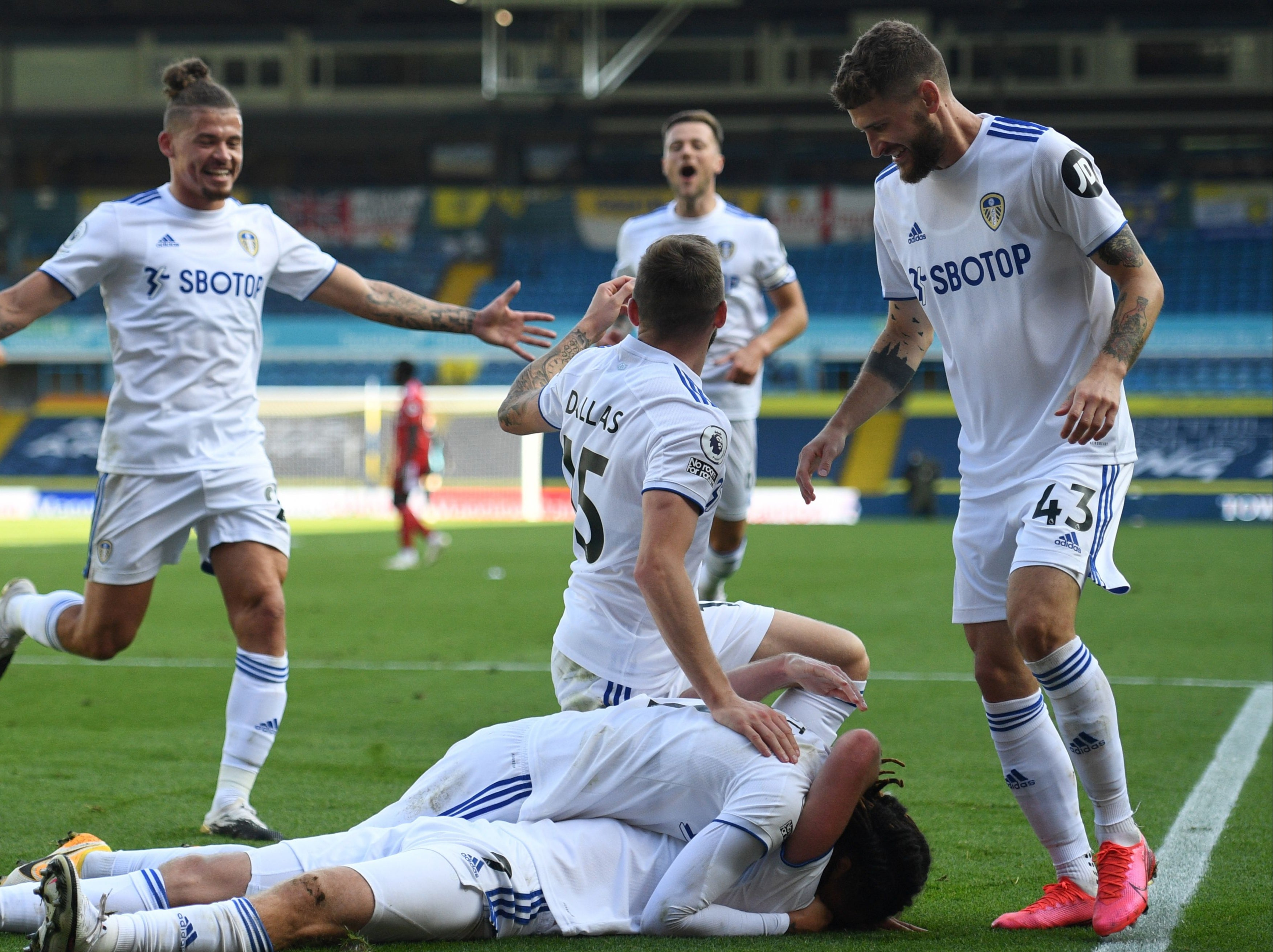 Leeds vs Fulham result: Helder Costa and Patrick Bamford star as hosts  emerge victorious from thriller at Elland Road | The Independent