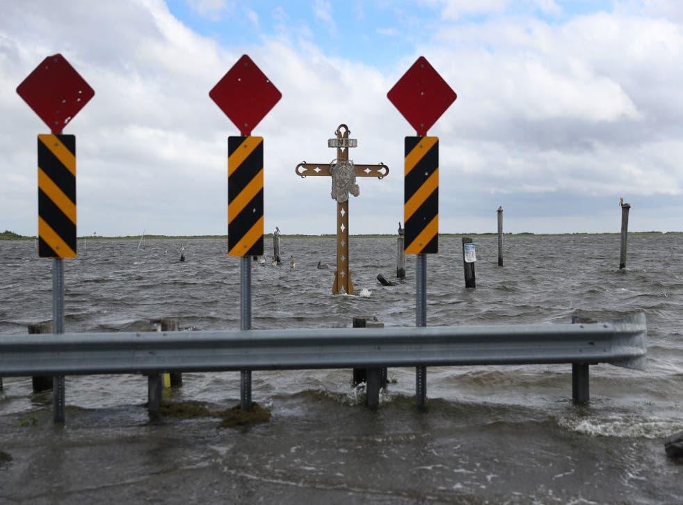 La tormenta podría dejar hasta 15 pulgadas (38 cms) de lluvia en algunos puntos