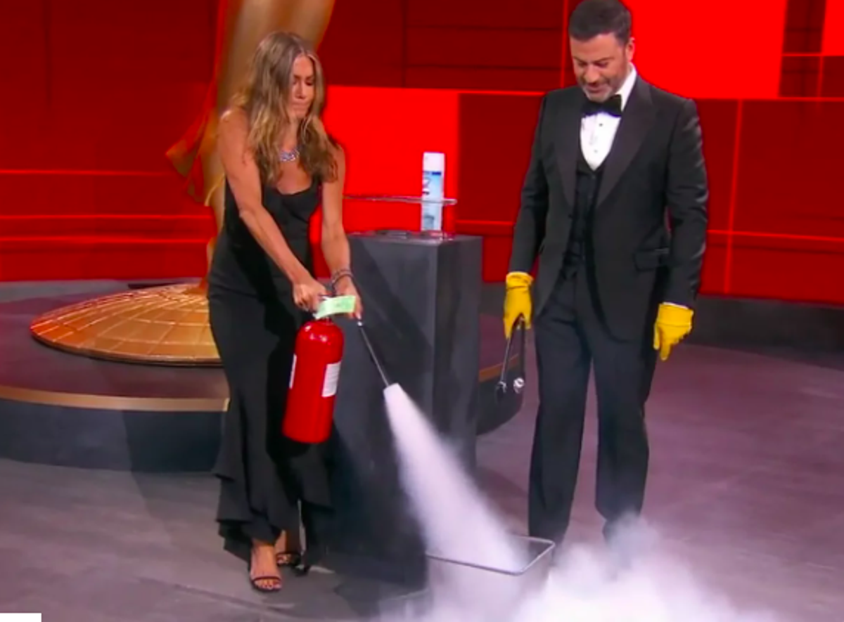 Emmys 2020 Jennifer Aniston And Jimmy Kimmel Set Fire To Winner S Envelope The Independent