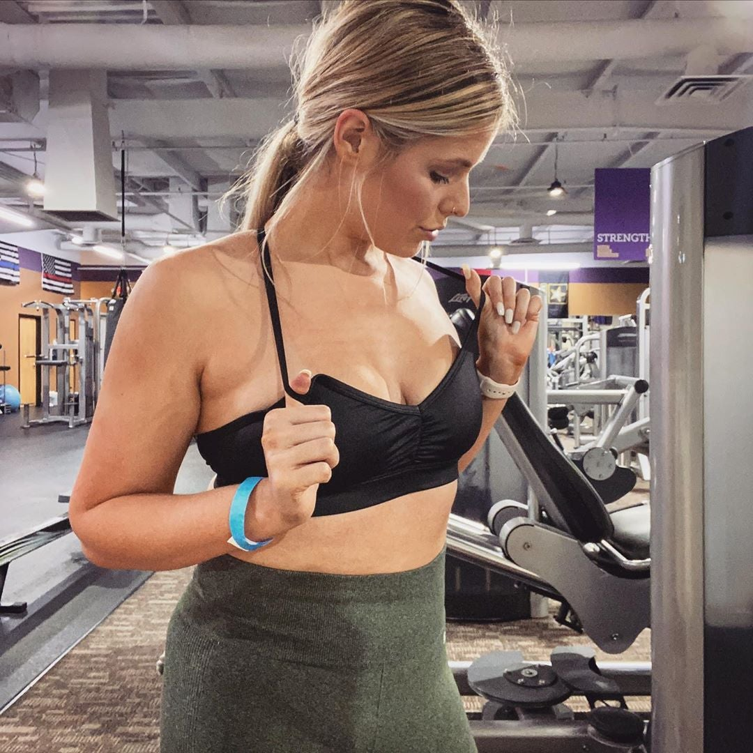 Woman calls out gym for being asked to leave for showing too much skin