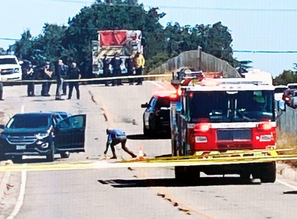 Los investigadores trabajan en la escena de un tiroteo, el jueves 24 de septiembre de 2020 en Templeton, California