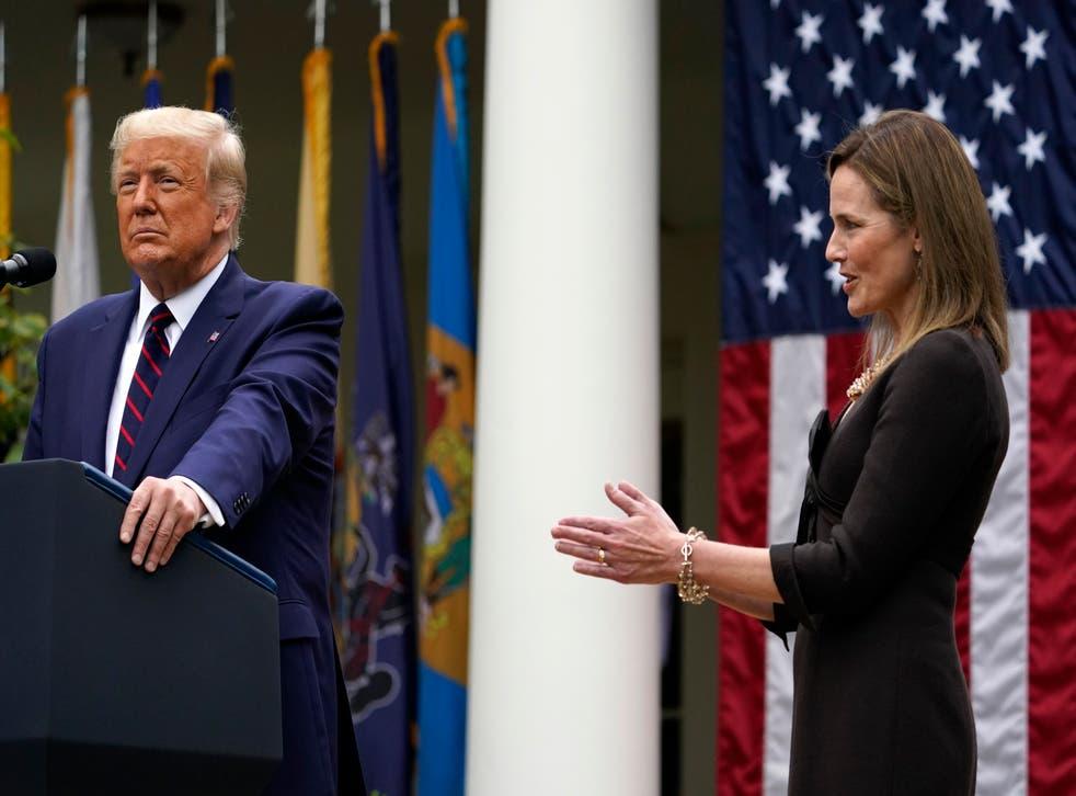 Trump y Amy Coney Barret.
