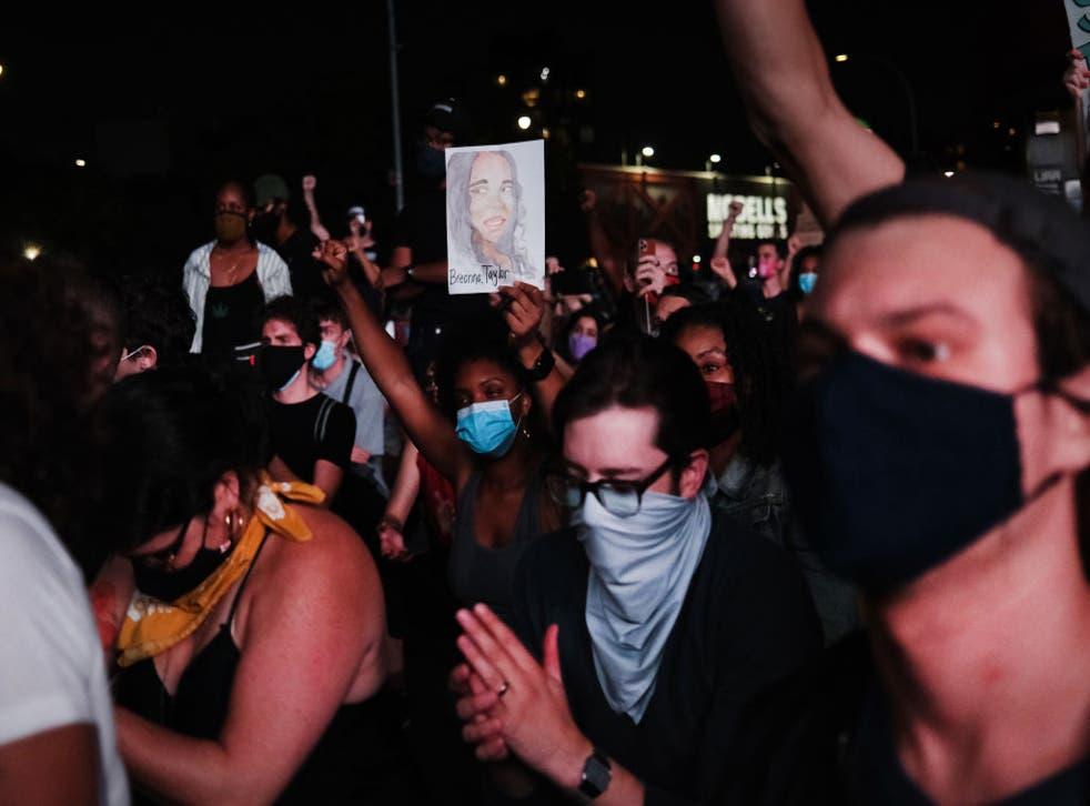 Se realizó una nueva protesta en nombre de Breonna Taylor en la ciudad de Nueva York.