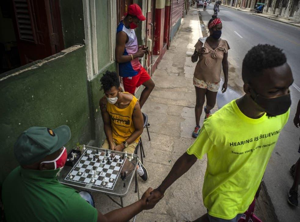 El gobierno cubano implementó restricciones desde hace algunas semanas ante el incremento de contagios en La Habana