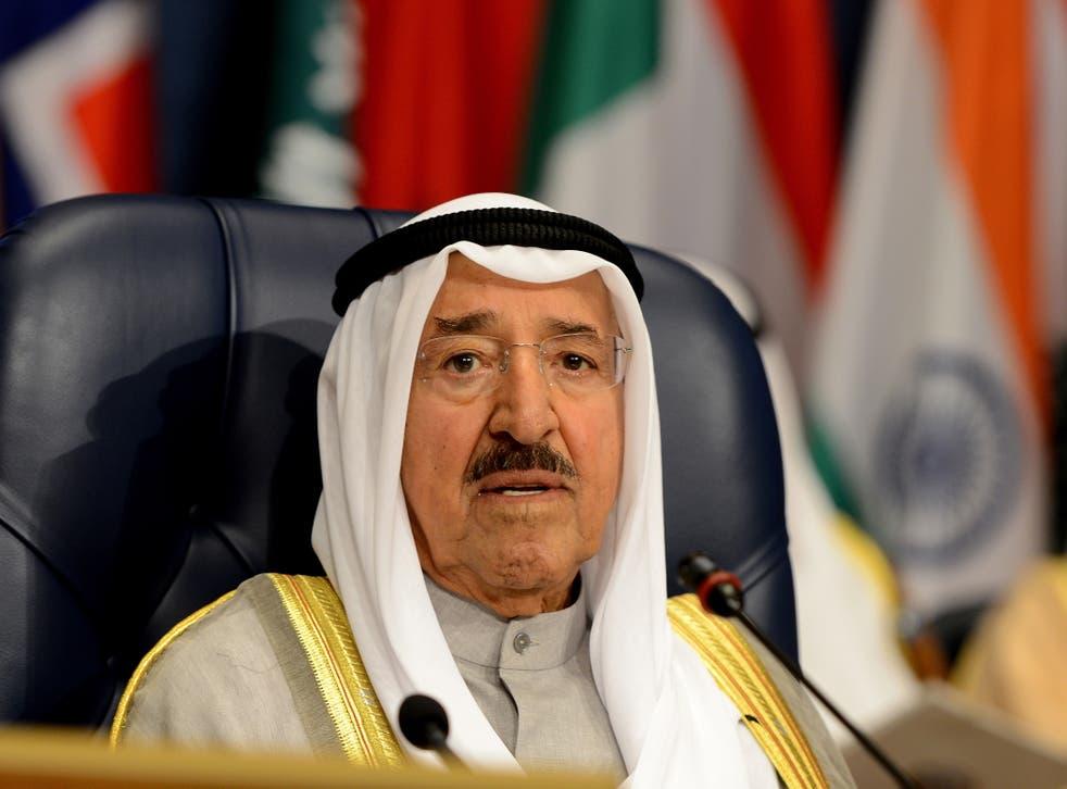 el jeque de Kuwait, Sheikh Sabah Al-Ahmad Al-Jaber Al-Sabah, habla durante la Tercera Conferencia Internacional sobre Promesas de Contribuciones Humanitarias para Siria, en la ciudad de Kuwait.