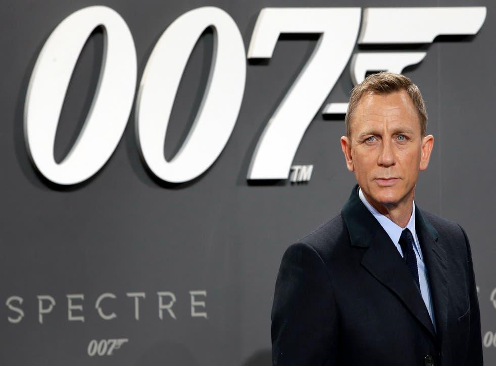 Película-James Bond-Retrasada