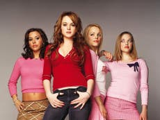 Lindsay Lohan y Rachel McAdams recrean icónica escena de Mean Girls