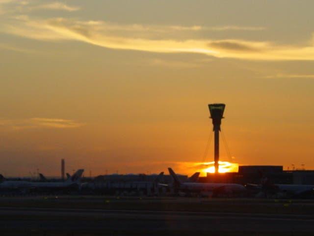 Zona tranquila: el aeropuerto de Heathrow maneja solo una fracción del tráfico habitual