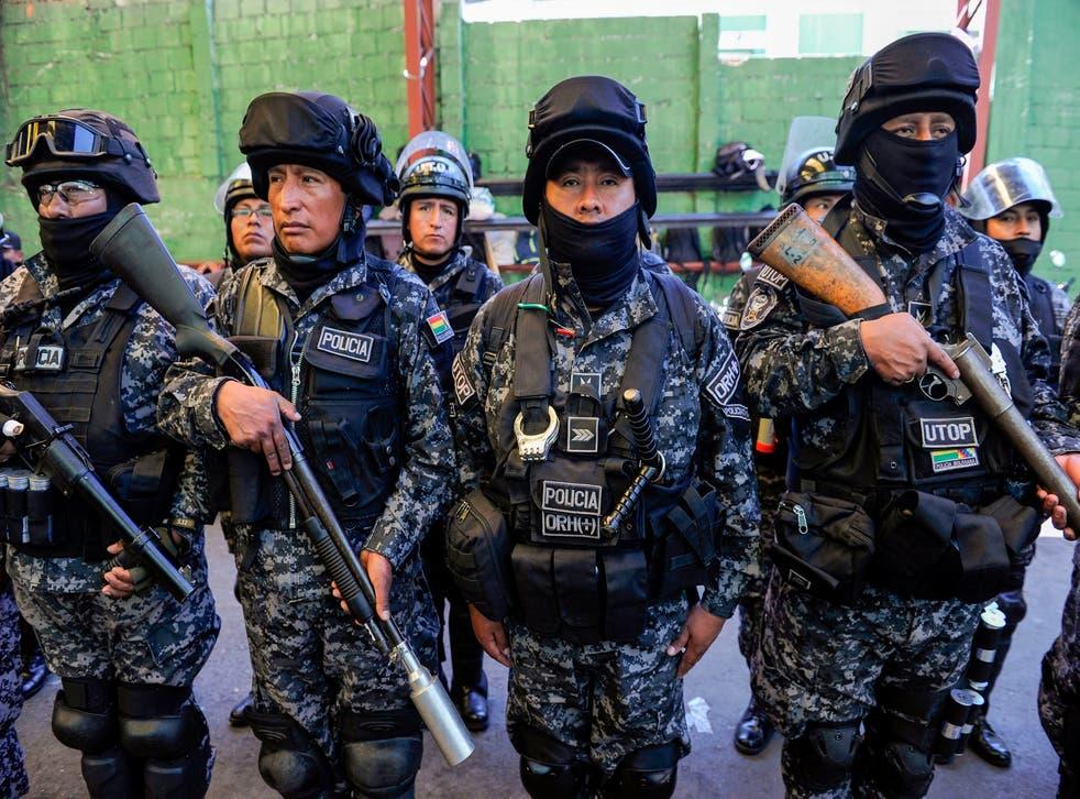 Miembros de la Unidad Táctica de Operaciones Policiales (UTOP)