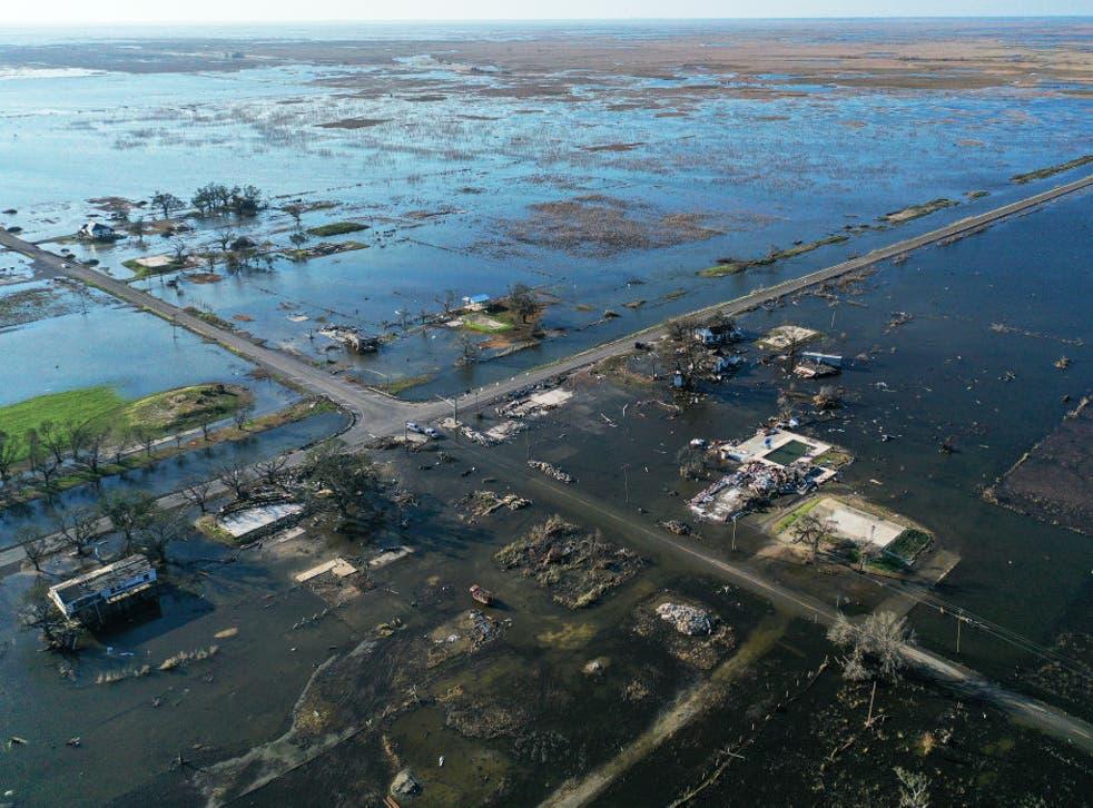 El huracán Delta cobró la vida de dos personas.