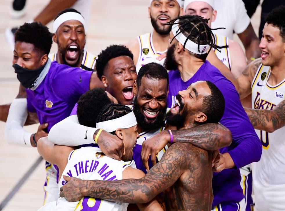 LeBron James firmó un triple doble y guio a los angelinos a su campeonato 17 de la  NBA