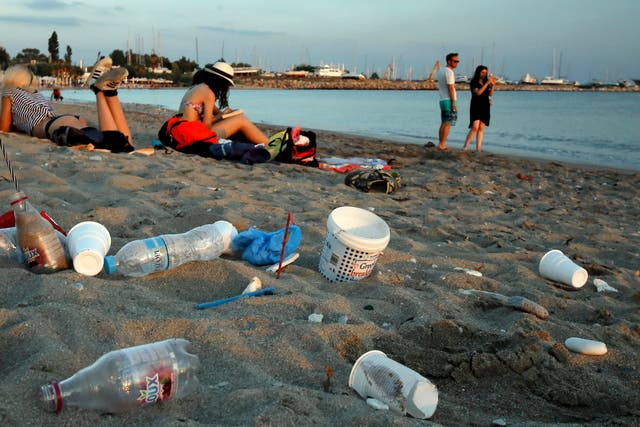 More than 11 million tonnes of plastic are discarded in the sea each year, the report says