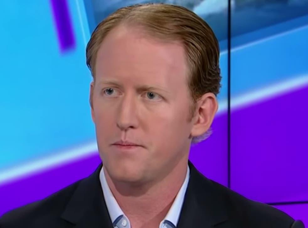 Robert J O'Neill hablando con el presentador de CNN Jake Tapper en 2014