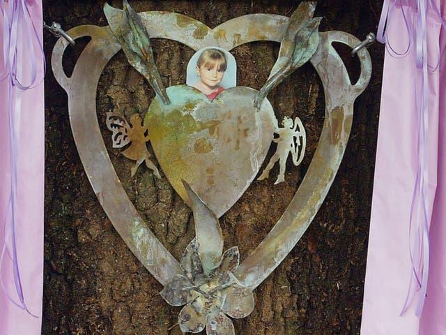 Un monumento a Sarah Payne, asesinada cuando tenía ocho años.