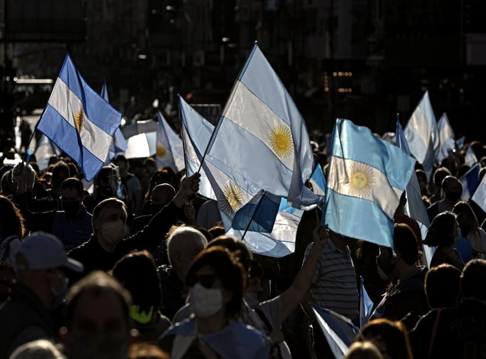 El presidente argentino Alberto Fernández prorrogó recientemente la cuarentena hasta el 25 de octubre.