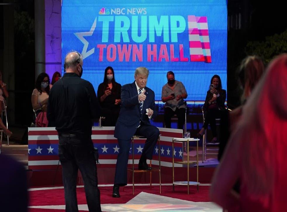 El presidente Donald Trump durante un descanso del Foro de NBC News en el Museo de Arte Perez de Miami