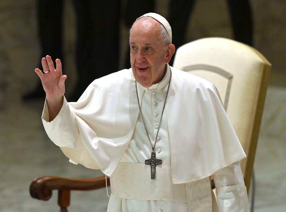 El Papa Francisco durante su audiencia general semanal en el salón Pablo VI del Vaticano