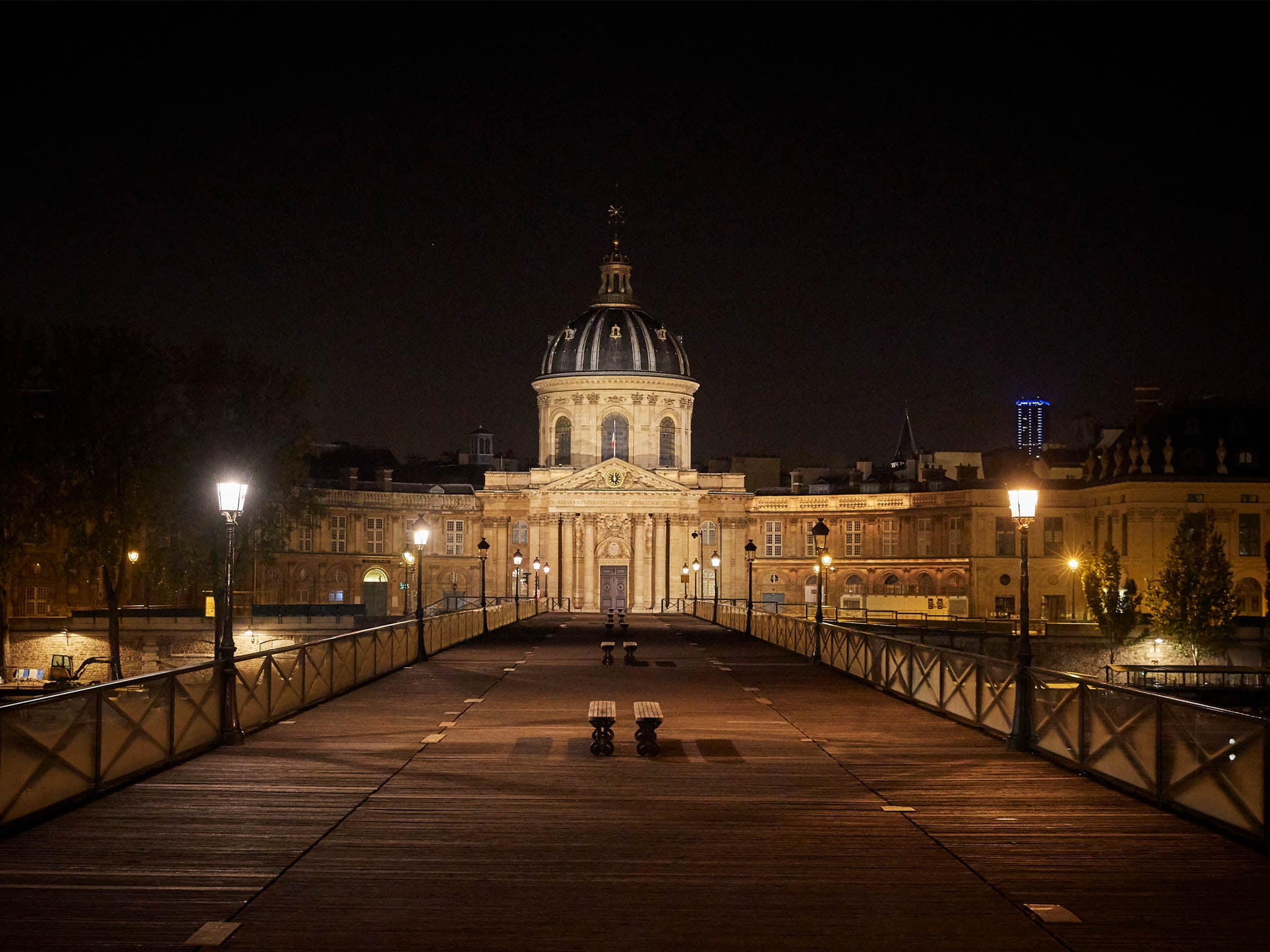 Deserted streets in Paris as French coronavirus curfew comes in