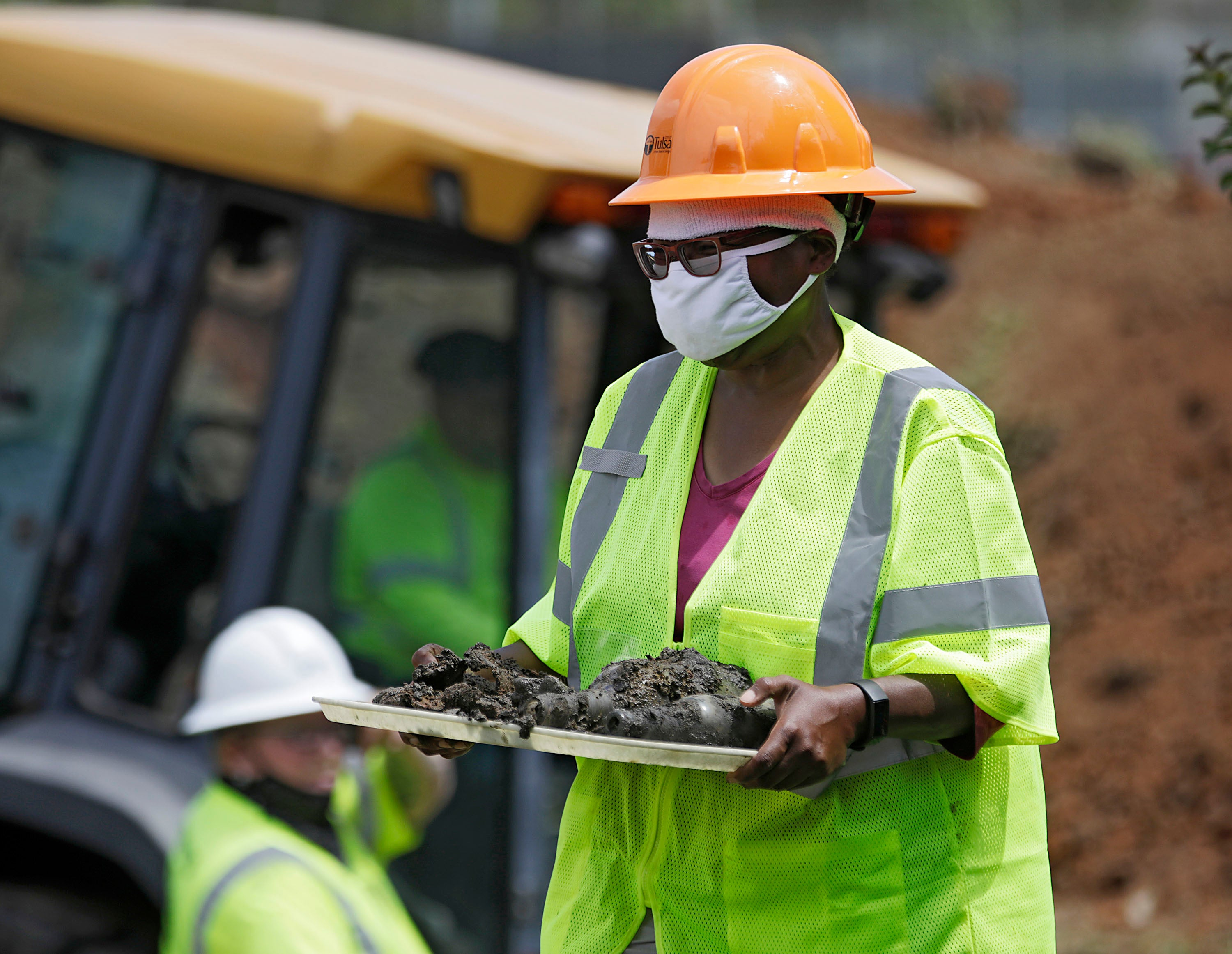 Excavation resumes for victims of 1921 Tulsa race massacre that saw hundreds of African Americans killed - independent