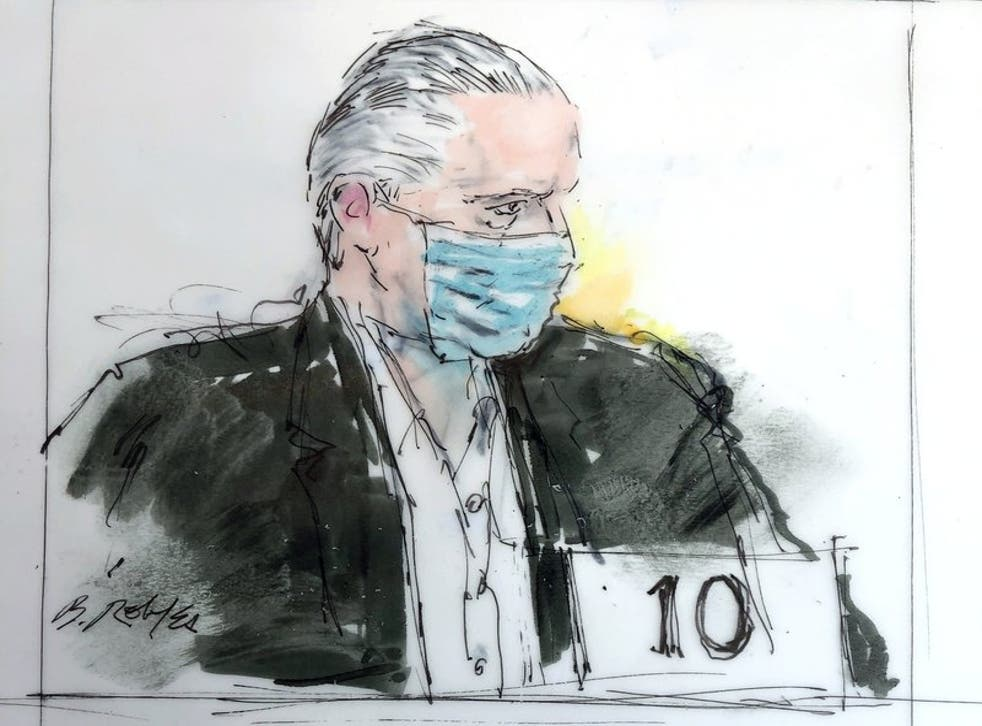 En este boceto de la corte, el exsecretario de la Defensa de México, general Salvador Cienfuegos Zepeda, aparece en la corte federal el viernes 16 de octubre de 2020 en Los Ángeles