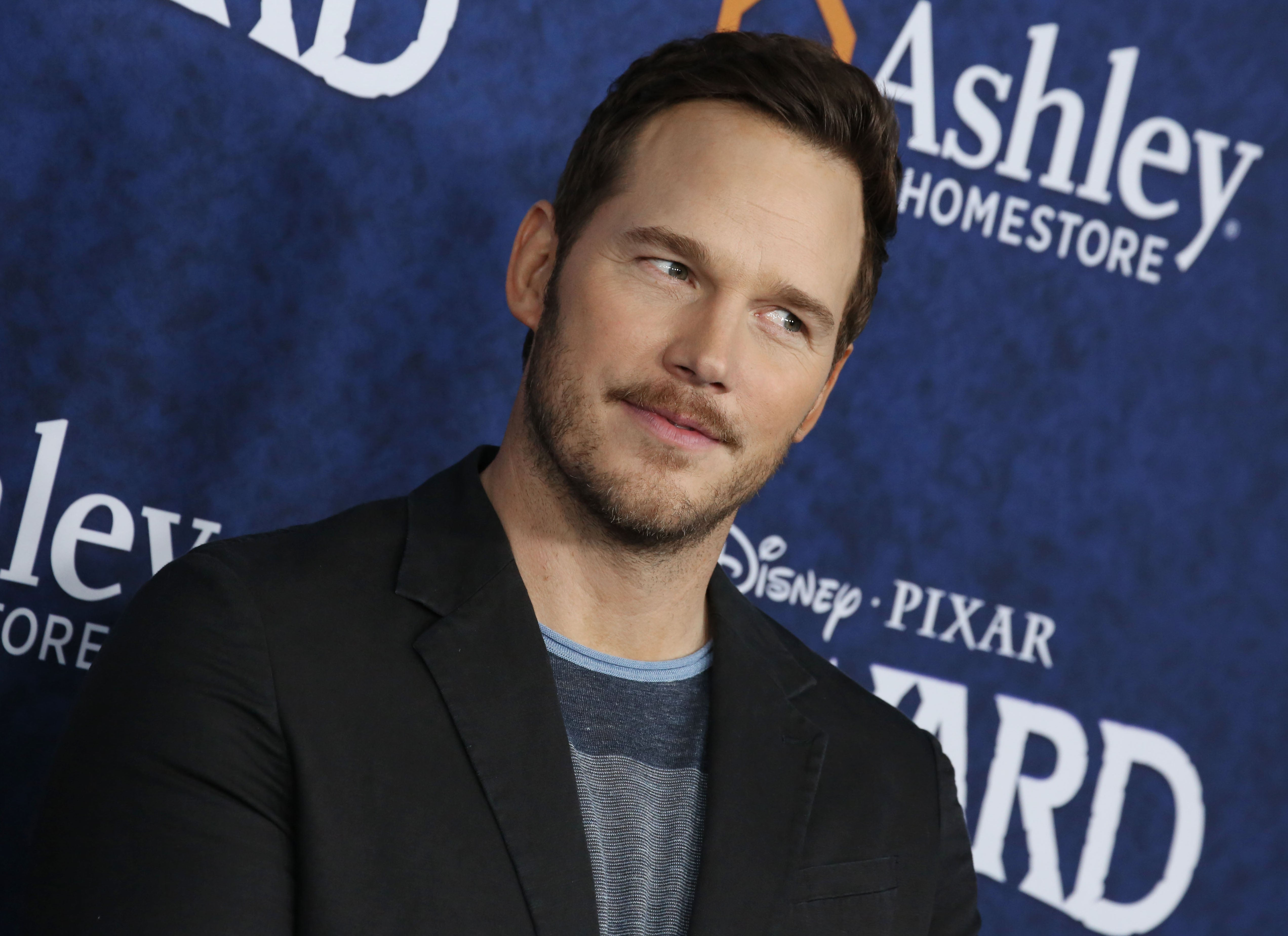 Avengers stars defend Chris Pratt after he's dubbed 'worst Hollywood Chris'