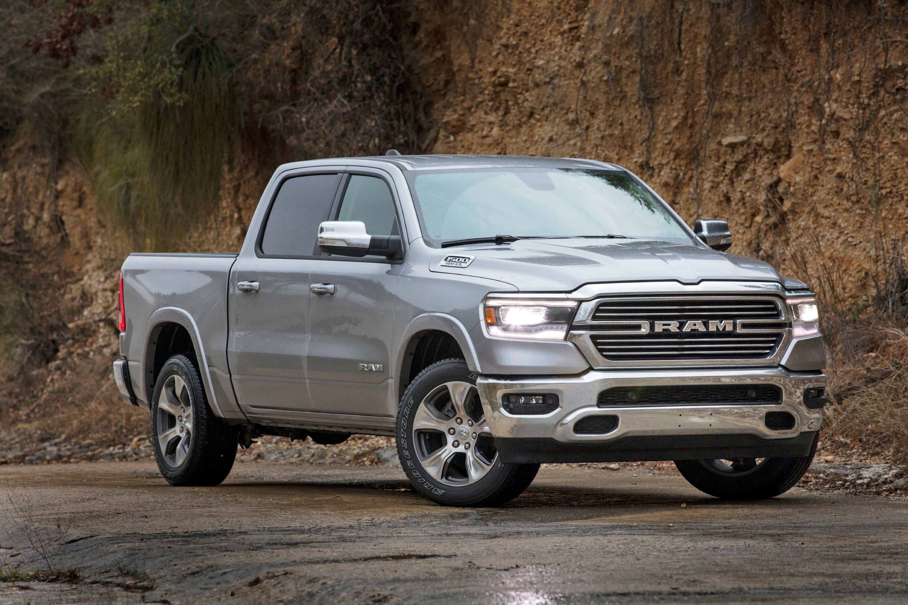 Edmunds What Is The Best Vehicle For A Family Of Five Safety Family Ram The Independent