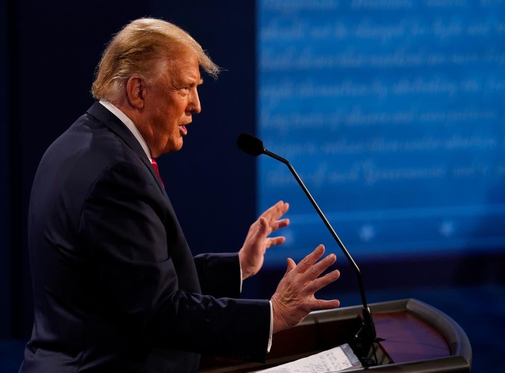 El Presidente Donald Trump durante el segundo y último debate presidencial en la Universidad Belmont en Nashville, Tennessee.