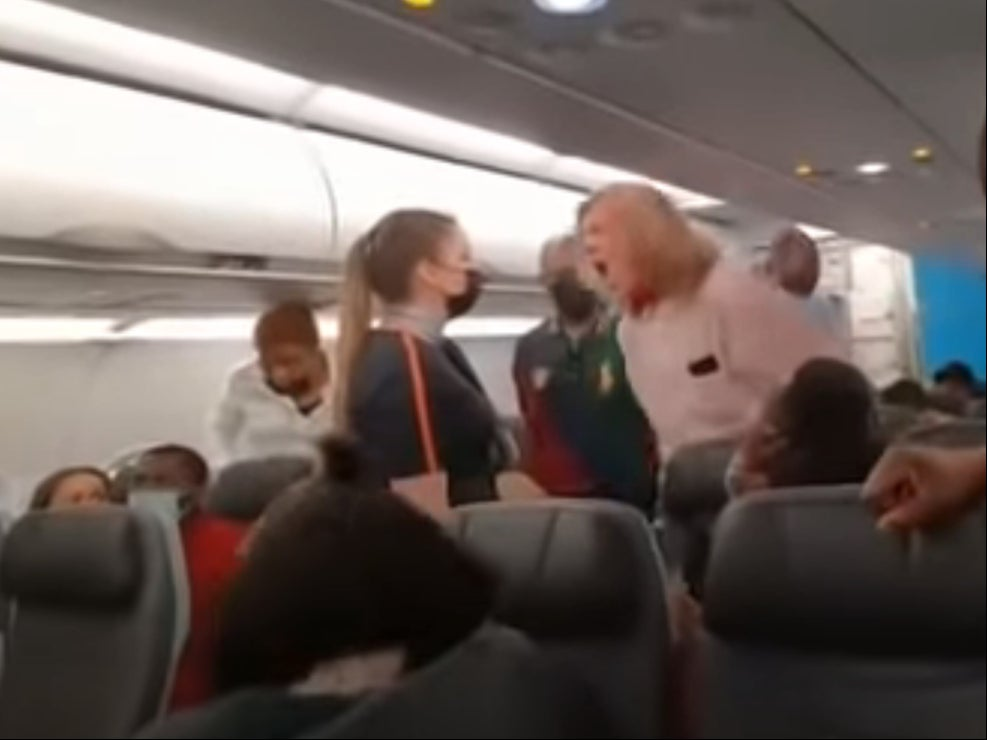 Man kicked off JetBlue flight after shouting racist abuse