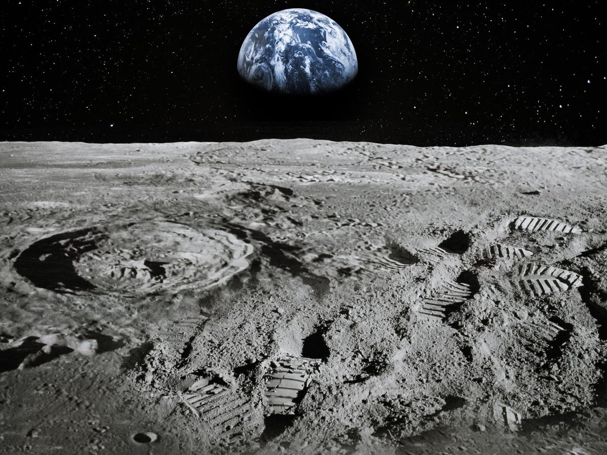 Nasa announces 'unambiguous' presence of water on Moon