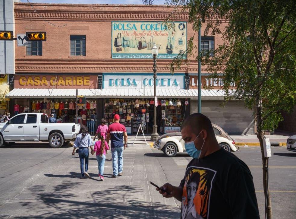 El gobernador de Texas anunció que se habilitarán 50 camas hospitalarias en la ciudad para atender pacientes con coronavirus en un centro de convenciones