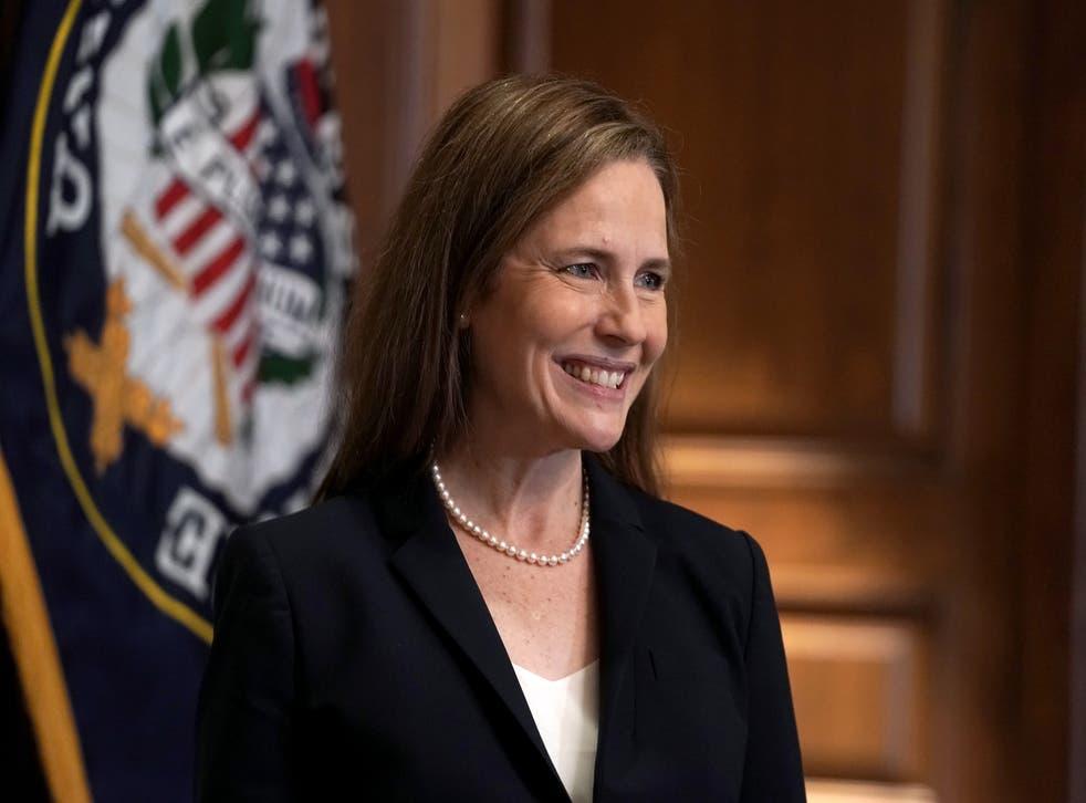 Barrett es la quinta mujer en servir en la corte suprema.