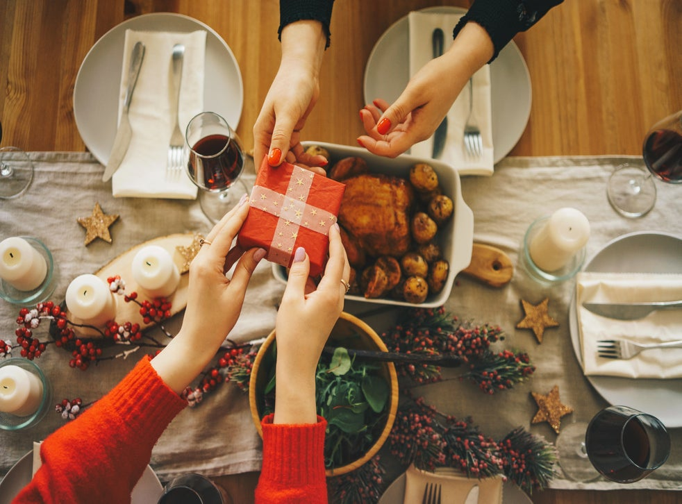 A Very Covid Christmas Why Some Families Are Planning To Break The Rules For The Festive Season The Independent The Independent