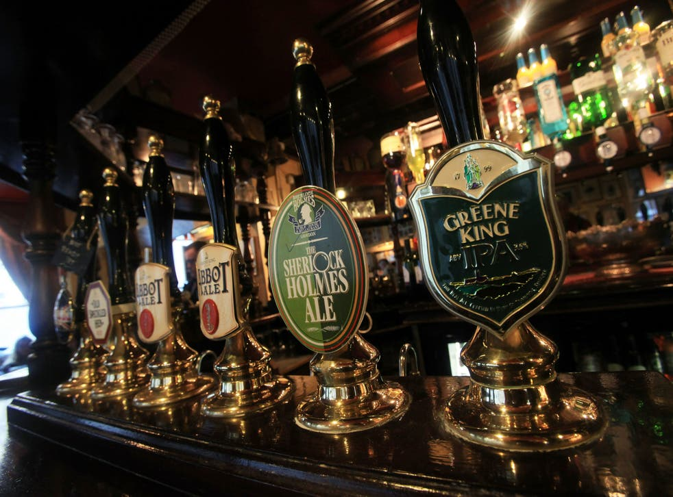<p>PUbs and brwers are calling for urgent clarification of rules banning takeaway alcohol sales</p>