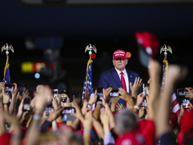 <p>El presidente de Estados Unidos, Donald Trump, busca ganar la reelección este martes</p>